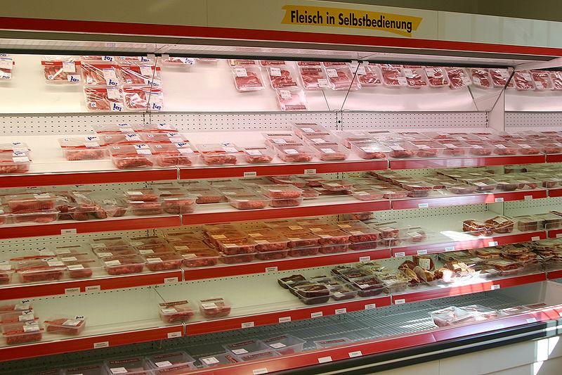 Die Studien zeigten auch bei tierischen Produkten kaum Unterschiede zwischen Bio und konventionell. Bei Bio-Geflügel- und Bio-Schweinefleisch wurden jedoch seltener Antibiotika resistente Keime gefunden.
