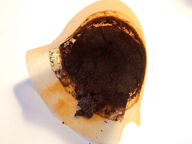 Im Kaffeesatz steckt mehr als man auf den ersten Blick vermutet (Quelle: © Estormiz / Wikimedia.org; gemeinfrei)