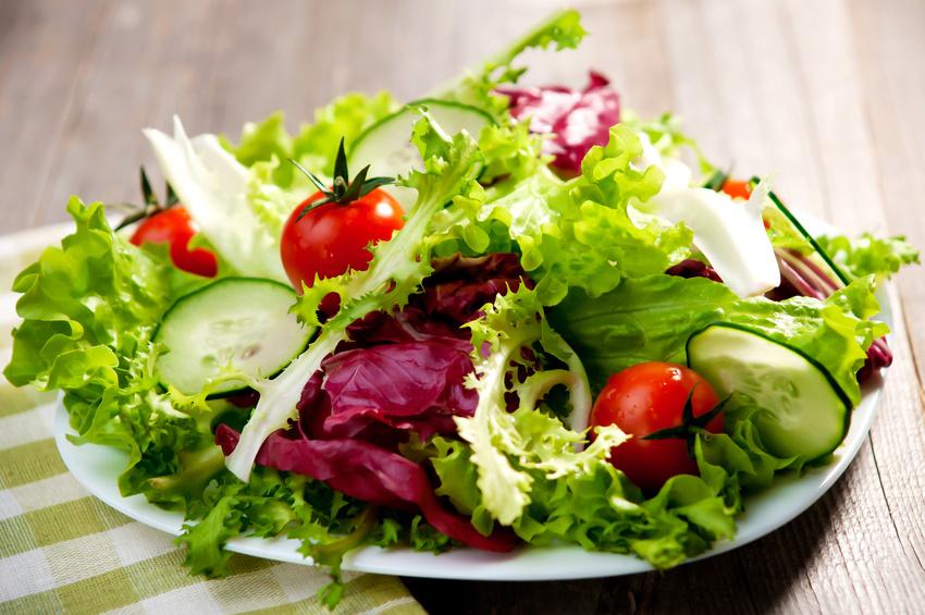 Wir sollten weniger Fleisch und tierische Nahrungsmittel, dafür mehr pflanzliche Kost zu uns nehmen. (Bildquelle: © Dani Vincek - Fotolia.com)