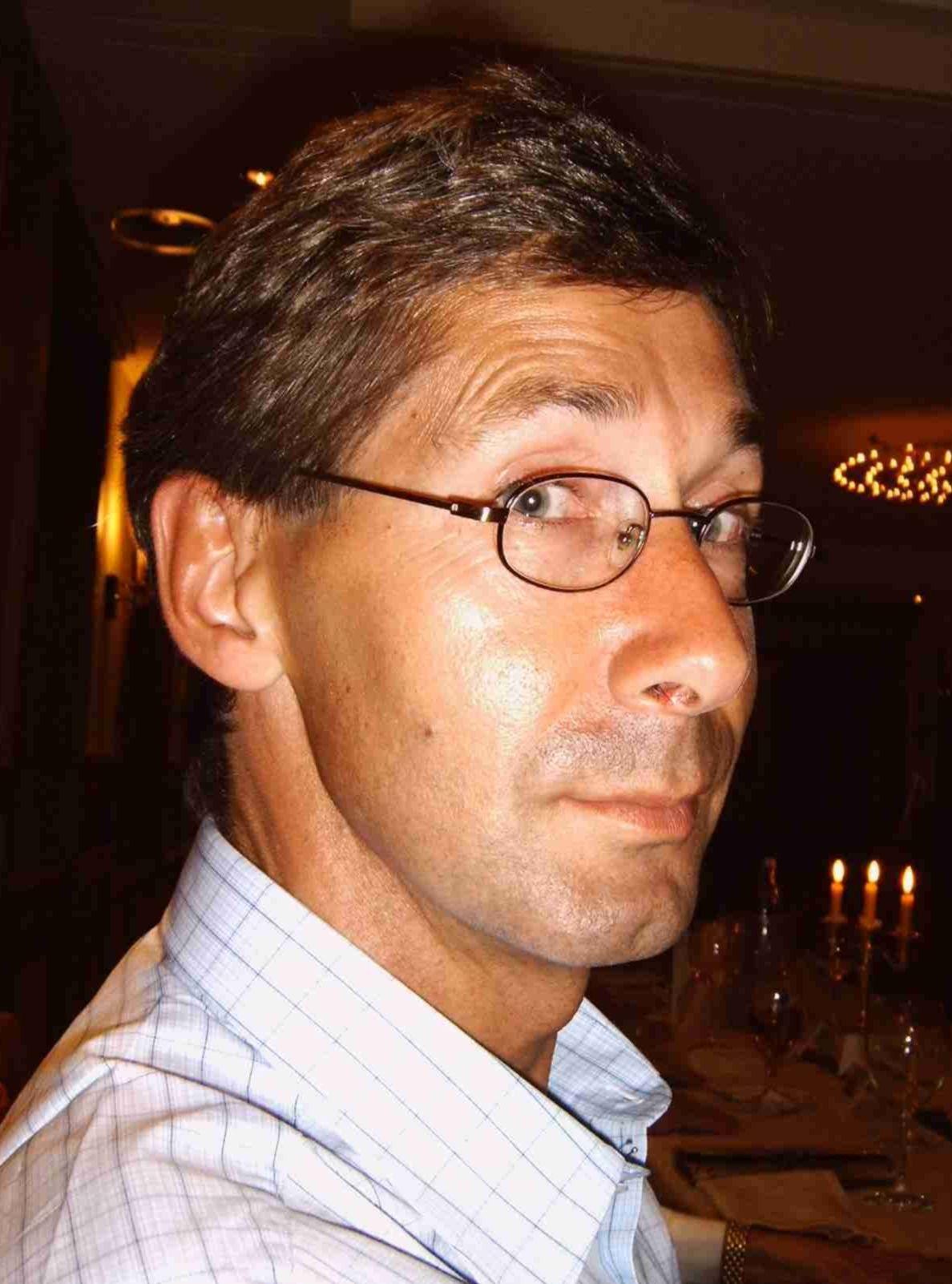 Prof. Dr. Matthias Fladung ist Projektleiter der beiden Projekte. Darüber hinaus ist er stellvertretender Institutsleiter desInstituts für Forstgenetik des Johann Heinrich von Thünen-Instituts und leitet hier den Forschungsbereich Genomforschung.