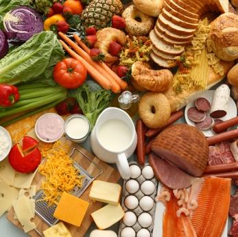 Nahrungsicherung und -qualität sind Herausforderung für die Zukunft. (Quelle: © iStockphoto.com/Morgan Lane Studios)
