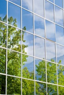 Das BioSc ist Schnittstelle zwischen Natur-, Ingenieur- & Wirtschaftswissenschaften (Quelle: © iStockphoto.com/ Ettore Marzocchi)