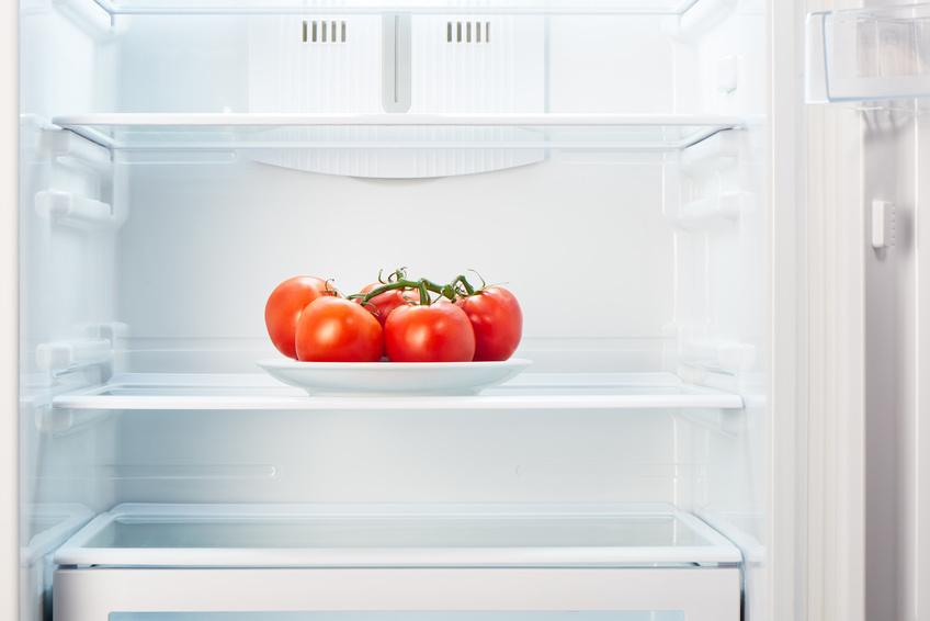 Tomaten verlieren im Kühlschrank an Geschmack, daher sollten sie nicht darin gelagert werden! (Bildquelle: © IntelWond / Fotolia.com)