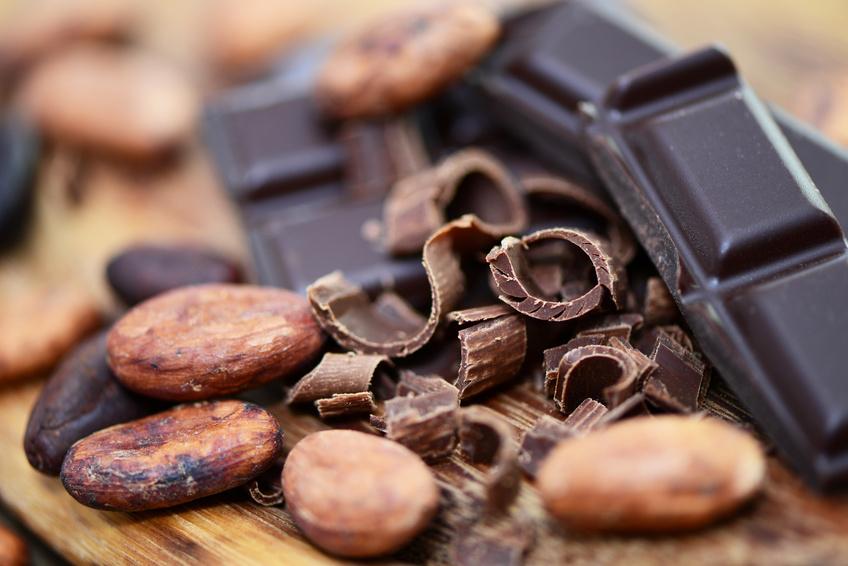 Dunkle Schokolade kann die Ausschüttung von Stresshormonen signifikant senken. (Bildquelle: © photocrew - Fotolia.com)