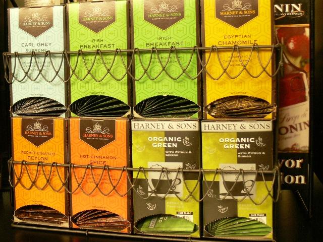 Tee gibt es nicht nur in vielen Geschmacksrichtungen...den Geschmack jeder einzelnen Tasse Tee prägen zudem Tausende verschiedene Inhaltsstoffe.