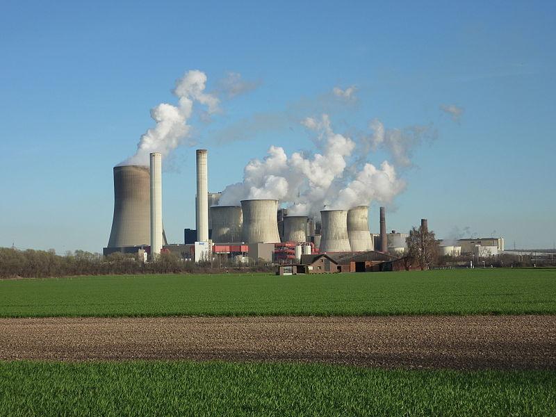 Die zusätzliche Feinstaubbelastung ist da punktuell besonders hoch, wo in der Nähe von Kohlekraftwerken intensive Landwirtschaft betrieben wird und sich dementsprechend viele Partikel bilden können.
