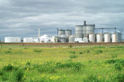 Bioraffinerien erlauben eine Kaskadennutzung von Biomasse.