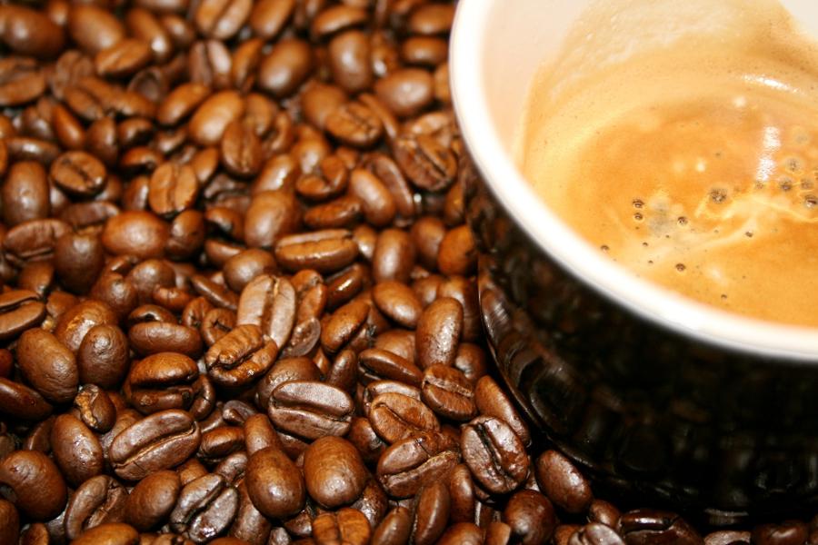 Aufgrund seines Aromas und seiner belebenden Wirkung gehört Kaffee zu den Lieblingsgetränken der Deutschen. (Bildquelle: © Grey59/ pixelio.de )