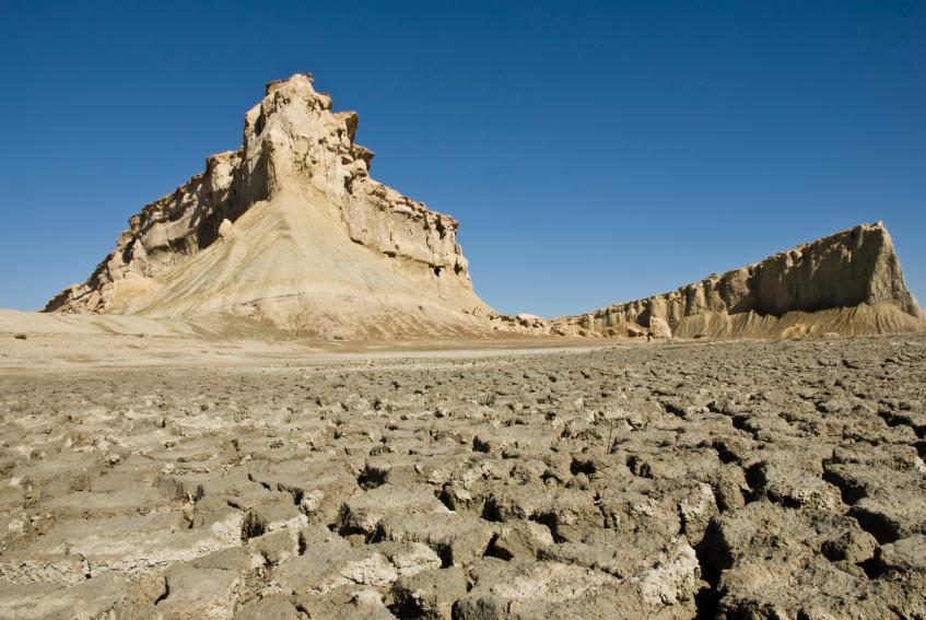 Etwa die Hälfte der Landesfläche des Irans ist Wüste. Vor allem die Landwirtschaft leidet unter der Trockenheit.
