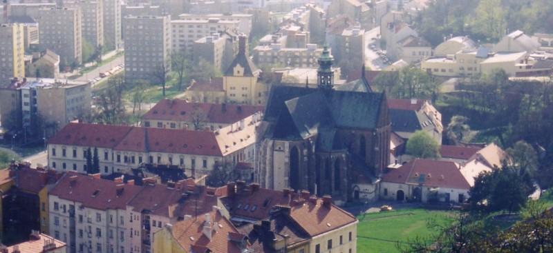 Der Klostergarten der Abtei St. Thomas, in dem Mendel seine Experimente durchführte, liegt heute inmitten von Brünn.