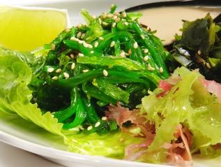 In Ostasien landen jährlich neun Millionen Tonnen Algen auf dem Teller.