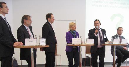 Podiumsdiskussion (v.l.n.r.: Prof. Dr. Andreas Graner, Prof. Dr. Dr. h. c. Volker Mosbrugger, Dr. Christian Müller, Dr. Kristina Sinemus, Prof. Dr.-Ing. Martin Faulstich, Dr. Léon Broers)