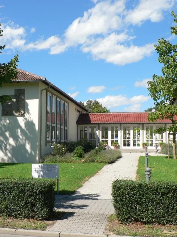 Gebäude des Tropenzentrums auf dem Campus der Universität Hohenheim (Quelle: © Tropenzentrum Hohenheim)