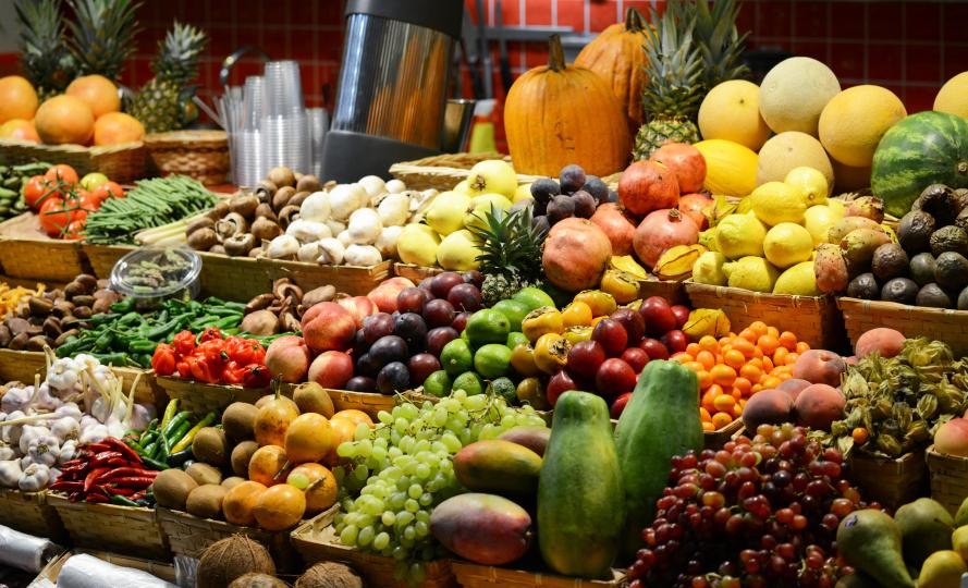 Ein Spaziergang über den Wochenmarkt, egal ob im Urlaub oder Zuhause, ist der beste Beweis für die Bedeutung der Landwirtschaft für die Nahrungsmittelversorgung.
