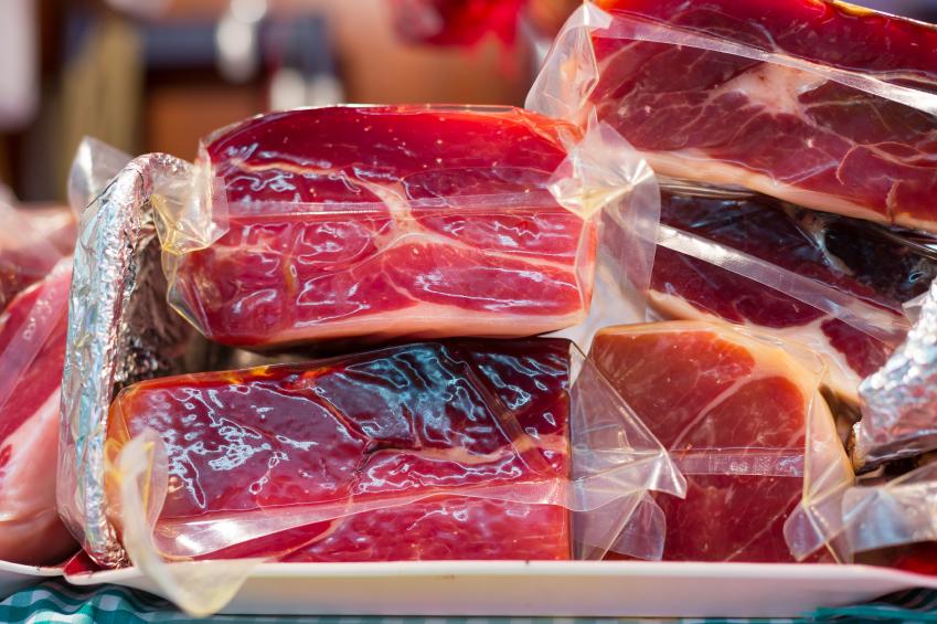 Neben Gemüse werden vor allem auch Fleischwaren durch die Hochdruckbehandlung haltbar gemacht.