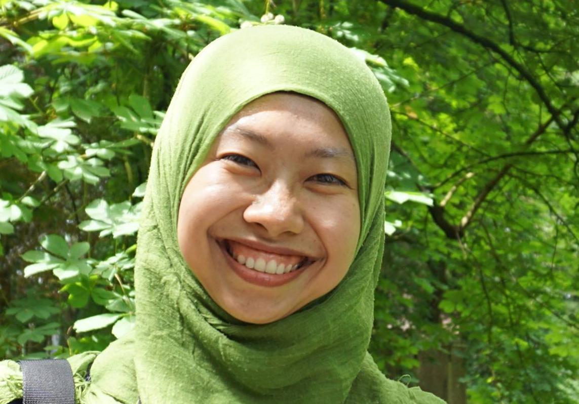 Mo Awwanah hat im Frühjahr 2020 ihre Promotion an der Universität Göttingen abgeschlossen. Sie hat mit ihrer Arbeit dazu beigetragen, die Abwehrreaktion von Pappeln gegenüber schädlichen Pilzen besser zu verstehen. Sie wünscht sich, dass auch die Stimmen