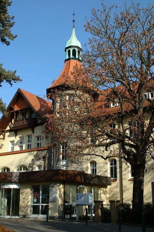 Hauptgebäude des Deutschen Instituts für Ernährungsforschung (DIfE) in Rehbrücke bei Potsdam.