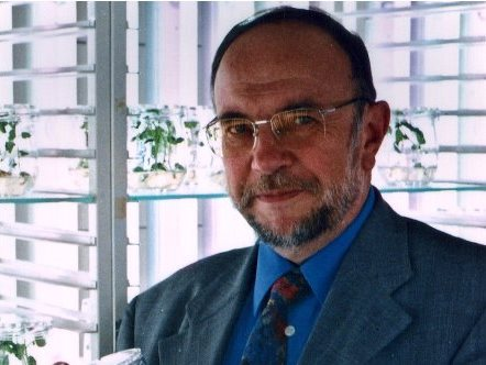 Prof. Heinz Saedler (Quelle: Saedler / Max Planck-Institut für Züchtungs-forschung)